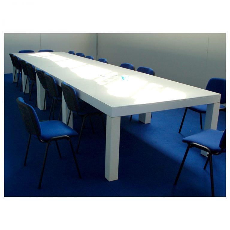 tavolo laccato per riunioni