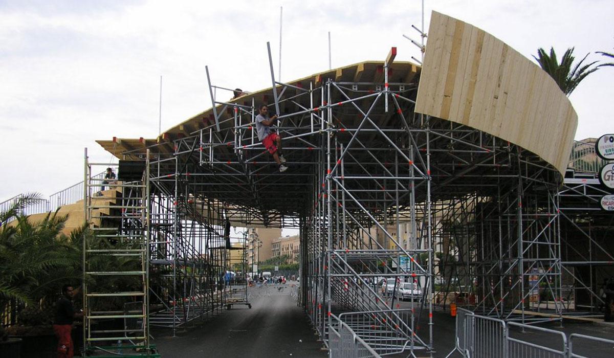 costruzione ponteggi installazione struttura layher